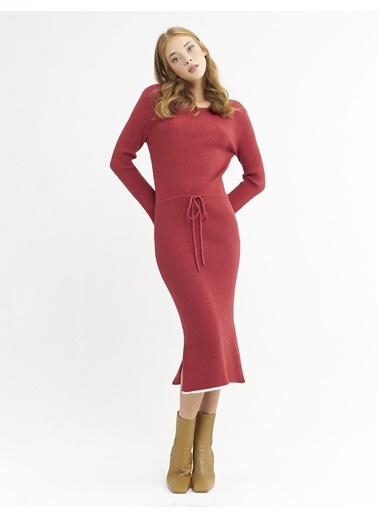 BGN Gül Rengi - Şerit Detaylı Triko Elbise Kırmızı